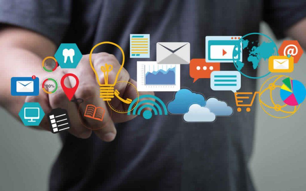 Todo proyecto digital debe contar con una estrategia, que se define como la meta final de nuestra tarea. Para crear una buena estrategia es necesario responder algunas preguntas clave. Las respuestas conformarán el horizonte comunicacional del proyecto.